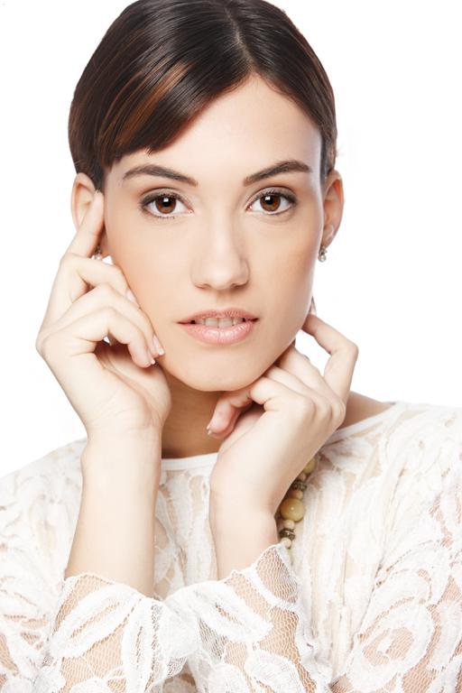 Vestuario: Samsara 51 Maquillaje: Mónica Salvarani Modelo: Jordina Julià (Agencia PiuBella)